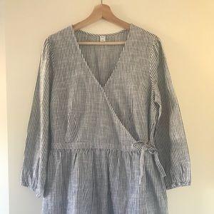 Old Navy Wrap Dress Size L